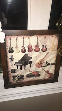 Photo / Decorative Art with Musical Instruments