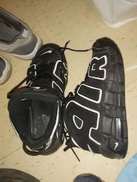 pair of black-and-white Nike gloves Alexandria, 22314
