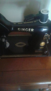 Vintage singer 99k in parlor cabinet.  Calgary, T2E 6G4