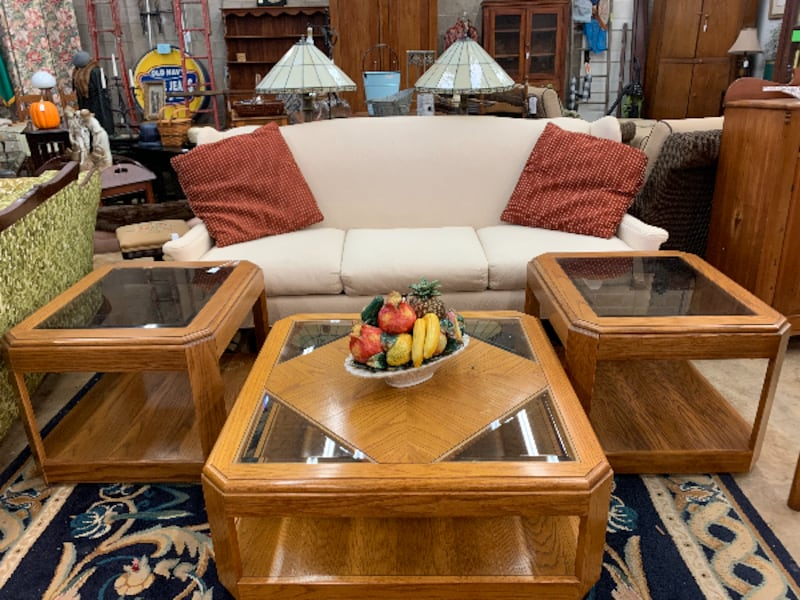 Coffee and End table Set e19f18e4-9bd1-4b56-a3a5-3f77175c7398