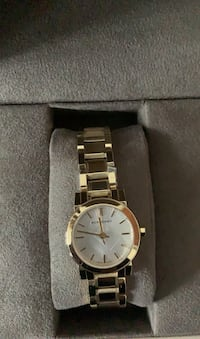 Authentic Gold Burberry watch for women brand new Brampton, L6T 4G8