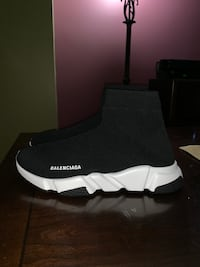 Balenciaga speed trainer  228 mi