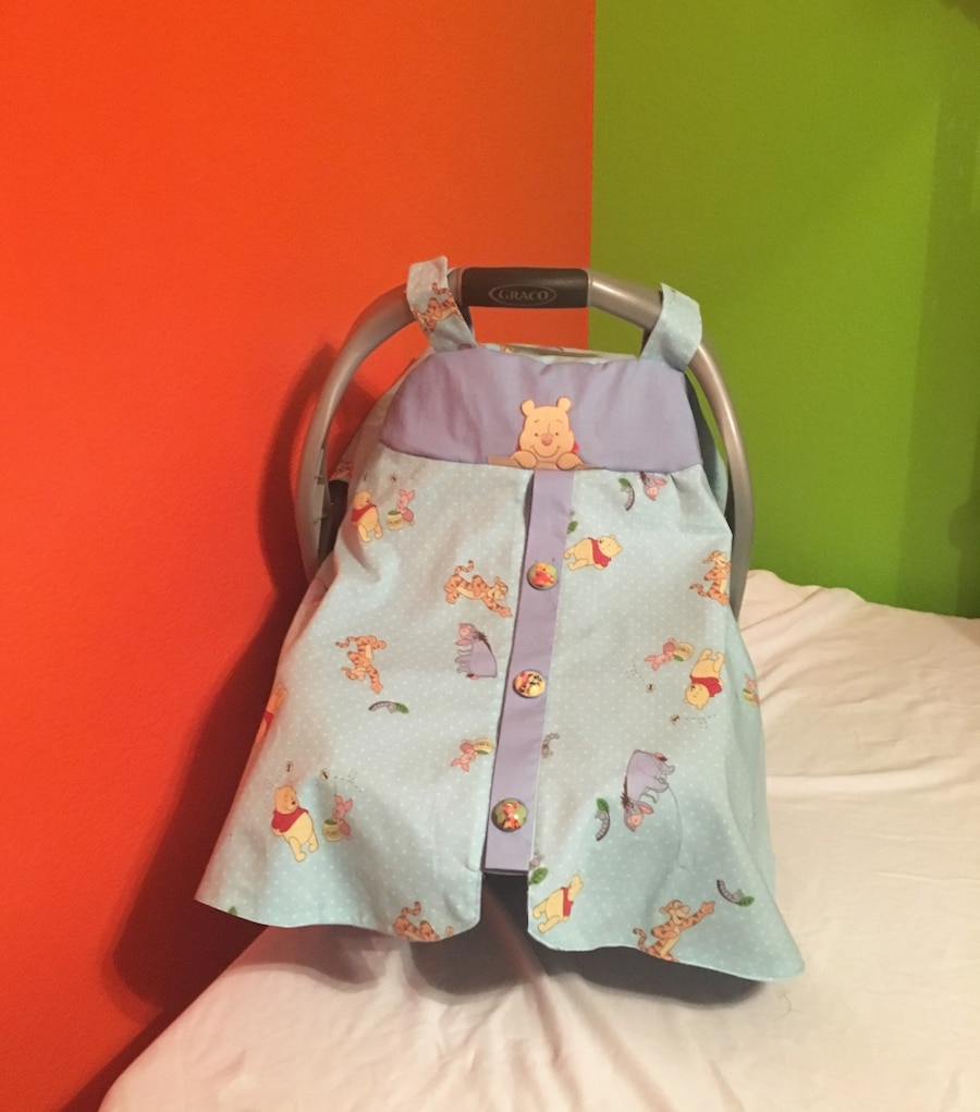 Photo New handmade infant car seat cover. Fully lined