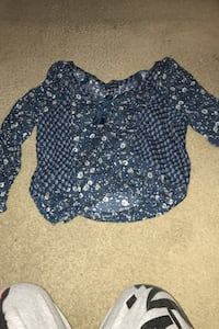 American outfitters top blue size small San Diego, 92129