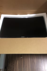Samsung curved 24 inch 1080p ultra thin gaming monitor gloss black Vancouver, V5X 1C4