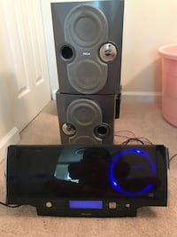 3 disc stereo set up with 2 speakers Reston, 20191