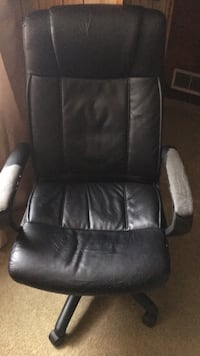 Office reclining comfortable chair a little worn but comfy  Red Bank, 07701