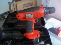Black & Decker 3/8 drill with charger and case LARGO