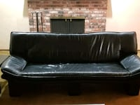 Black leather couch Sammamish, 98075