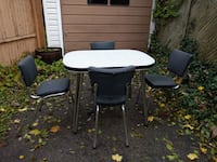Vintage retro Chrome kitchen table with 4 chairs  549 km