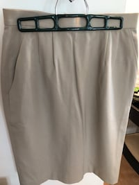 Beige skirt workwear with pockets Montréal, H3C 6S4