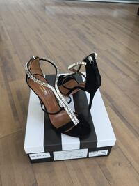 AQUAZZURA Constance Sandal Suede with Crystal High Heel 38 (8 US) NEW New Westminster, V3M 5K5