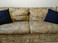 brown and blue floral fabric 2-seat sofa Hubbard, 44425