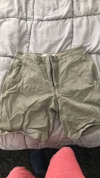 Mountain Khaki shorts 35x10 Herndon, 20170