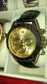 round gold chronograph watch with link bracelet Brampton, L6T