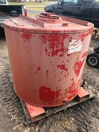 329 Gallon Steel Holding Tank With Level Indicator