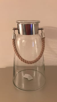 Clear glass jar (New with tag) Centreville