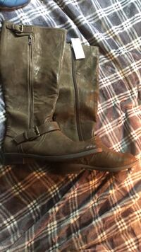 Size 7 never worn express boots. retail is $88 Plympton, 02367
