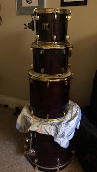 Drum kit with all hardwares - made in Toronto- solids maple - Time Tech $650 Clarington, L0B 1J0