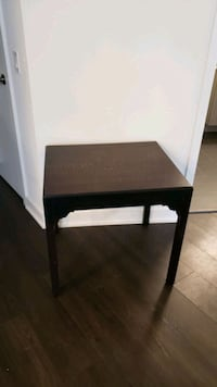Small side table Chicago, 60611