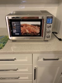 DeLonghi Livenza Collection Toaster Oven Toronto, M9N 2H7
