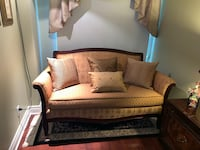 Pennsylvania House Queen Anne Style Settee Couch Montréal, H4N 3M2