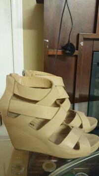 Brown open-toe ankle strap wedges size 7.5 Vancouver, V5R 3V3