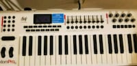 M-Audio Axiom Pro 61 midi keyboard with stand Somerville, 02143