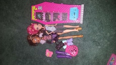 barbie dolls and accessory