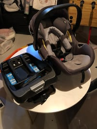 Safety 1st Car Seat with base. New Tecumseth, L0G 1W0