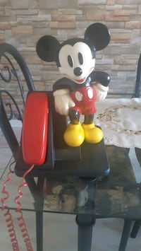 MICKEY MOUSE PHONE. Montreal, H8P 1X1