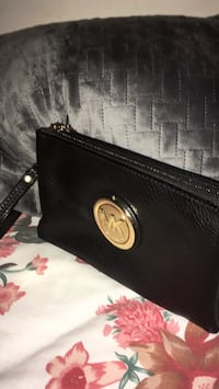 Michael Kors Clutch Purse   Silver Spring