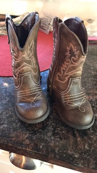 Size 6 cowgirl boots toddler