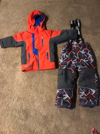 Monster Boys size 4 snow pants & jacket. Wear & tear on snow pants. See pics. Pu at Kipling and highway 7 Woodbridge 555 km