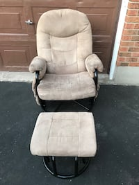 Beige/black rocking chair and foot stool in EUC from SFPF home. Simcoe