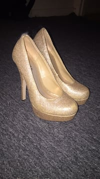 pair of brown glittered platform pumps Plainfield, 07063