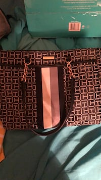 Tommy Hilfiger purse, like new condition $30 OBO Midlothian, 23112