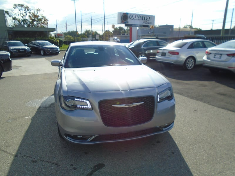 Chrysler 300 2016 1