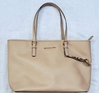 Michael kors tote bag  Woodbridge, 22191