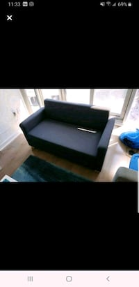 Pull out couch Excellent condition dark navy blue Toronto, M5E 0A6
