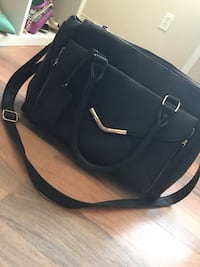 Black leather 2-way handbag Edmonton, T5C 1S4