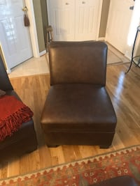 Excellent condition furniture and household items. Bowie, 20720