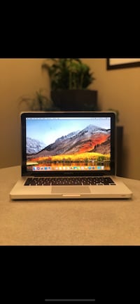 MacBook Pro Intel Core i5 500GB HDD 4GB / Microsoft Home Office Schaumburg