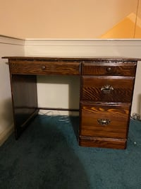 Small wooden desk and chair Virginia Beach, 23453