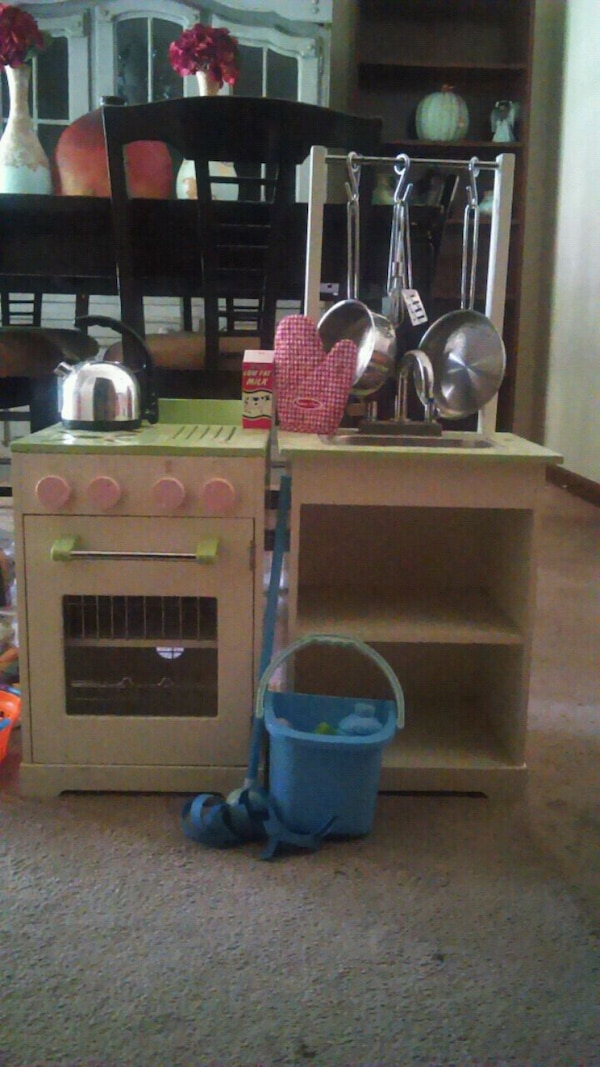 Pottery Barn Kids Toddler Retro kitchen set