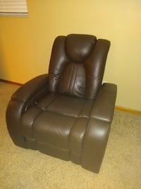 Brown leather electric recliner Belpre, 45714