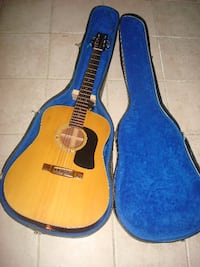 acustic washburn guitar exelent condition