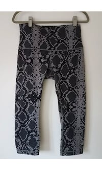 Bnwot ~ lululemon high times pants ~ size 8/10 Surrey, V4N 6A2