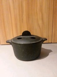 Vintage Small Cast Iron 1Qt Dutch Oven/Vented Lid  Center Point, 35215