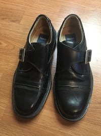 Pair of black leather dress shoes Richmond